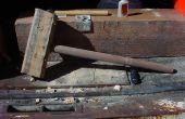 Een houten persuader (hamer)