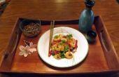 Roerbak de GARNALEN met groene uien & rode PEPERS