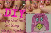 DIY Angry Bird Nail Art met Sharpie markeringen