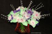 Een boeket van bloemen gemaakt van knoflook Mesh zakken