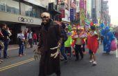 Halloween kostuum met skelet masker, mechanische handen, geluid reactieve LED oog ballen en uitwerpselen hoofd truc