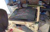 Een oude CRT-TV omzetten in een Raspberry Pi aangedreven MAME Cocktail kabinet