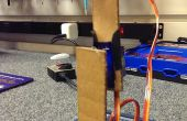 Eenvoudige robotarm uit kartonnen stukken