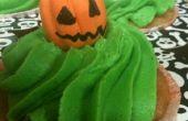 Poison Apple Ale Cupcakes & Gum Paste Ghosts en Jack-O-Lanterns