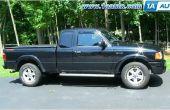 Hoe te verwijderen en installeren van een deurpaneel op een vrachtwagen van 1993-2010 Ford Ranger