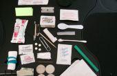 30 item Ultimate Altoids Tin Urban Survival Kit (inclusief zonnebril, een dek van kaarten en ketchup)