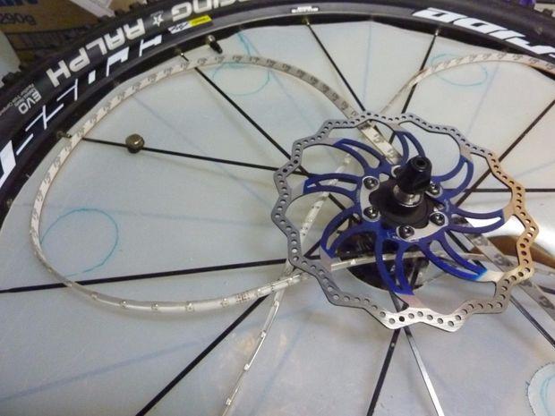 Licht In Fietswiel : Shenkey usb oplaadbare fiets licht voor stuur fietsen led fiets