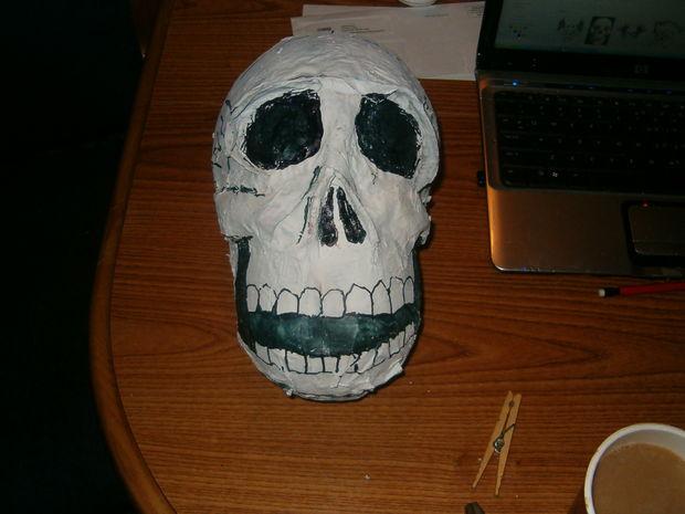 Halloween Decoratie Voor Buiten.Papier Mache Skull Halloween Decoratie Cadagile Com