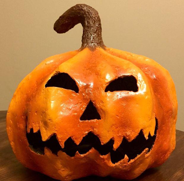 Hoe Maak Je Halloween Pompoenen.Hoe Maak Je Een Spooky Papier Mache Halloween Pompoen